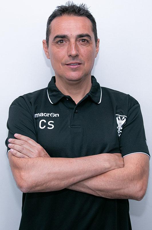 صورة مساعد مدرب نادي سينت ترويدنس