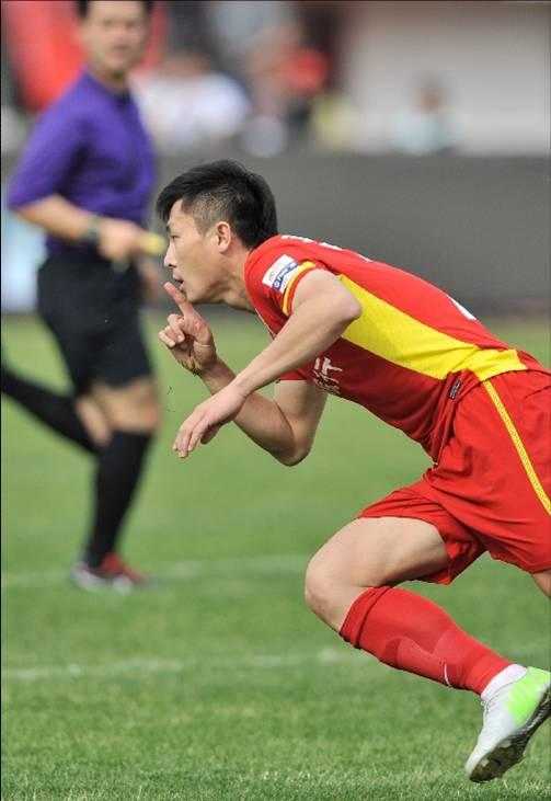 صورة ليو ويدونغ لاعب نادي تشانغتشون ياتاي